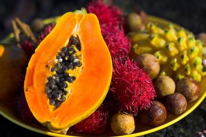 Exotické ovocie - papaja, liči